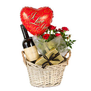RED-WINE-GIFT-BASKET-I-LOVE-YOU